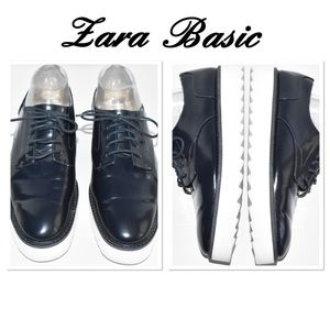 Zara Basic Navy Blue Faux Leather Oxfords (41/10)